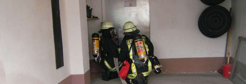Übung der Atemschutz-Geräteträger